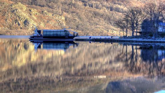 Sanabria Lake Natural Park: Barco, recorridos por el Lago de Sanabria