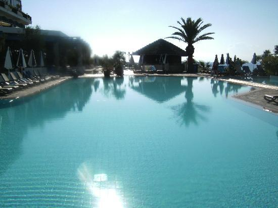 Atlantica Sungarden Beach: The activity pool