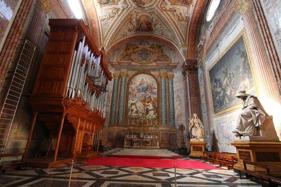 Basilica di Santa Maria degli Angeli e dei Martiri: beautiful pipe organ