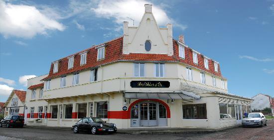 Stella-Plage, Франция: Hôtel vu depuis la rue.