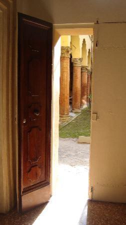 Antica Casa Zucchini Bed&breakfast: the door to courtyard where I spent hours
