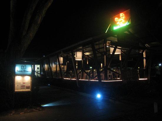 Beach Almond Beach House: Beach Almond at night