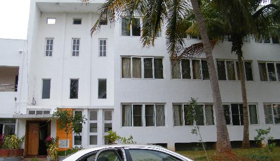 Hotel Mayura Kauvery KRS: Front View Non Ac Rooms