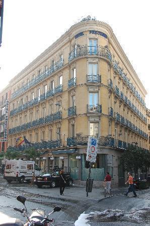โรงแรมเพรเซียโดส: Preciados