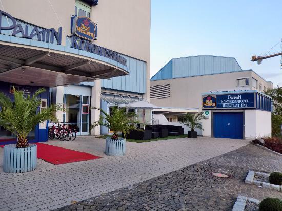Best Western Plus Palatin Kongresshotel : Eingangsbereich