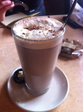 O Conaill Chocolate: Milk & White Hot Chocolate
