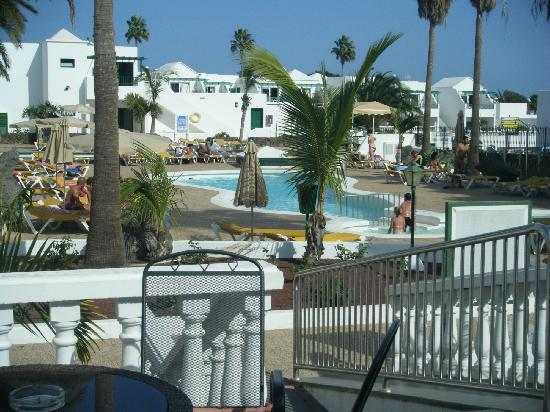 Acuario Sol : View of pool from bar Sol 2