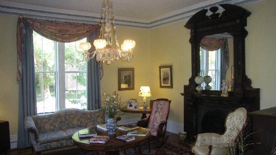 Hillsdale House Inn: Comfy!