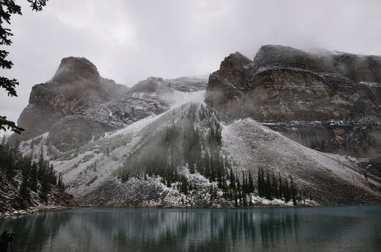 Lake Louise, Canada: View across the lake