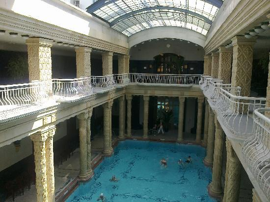 Danubius Hotel Gellert: excellent indoor pool