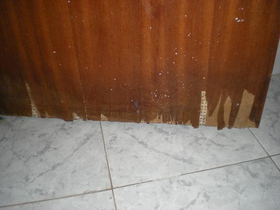 Solar Residencial S. Gabriel: bathroom door