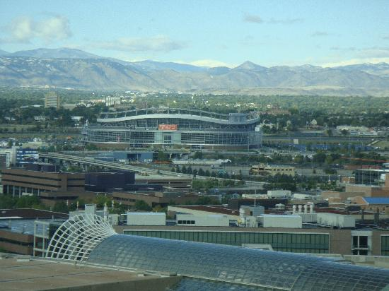 Embassy Suites by Hilton Denver - Downtown / Convention Center: View of the Broncos Stadium from our room.