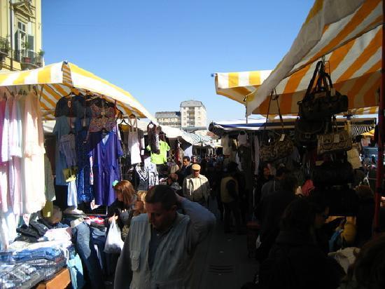 March aux fringues photo de mercato di porta palazzo - Mercato di porta palazzo torino ...