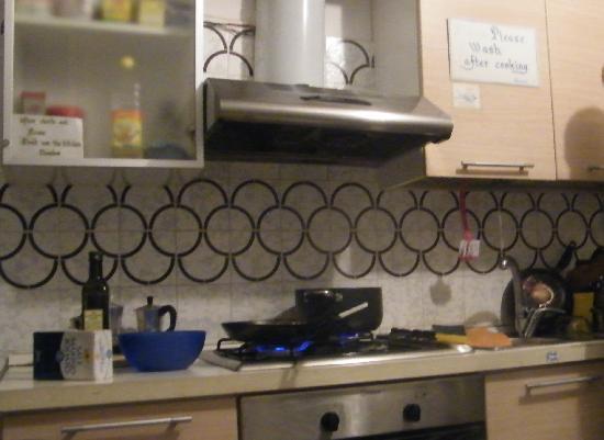 Ai Boteri Hostel: cucina