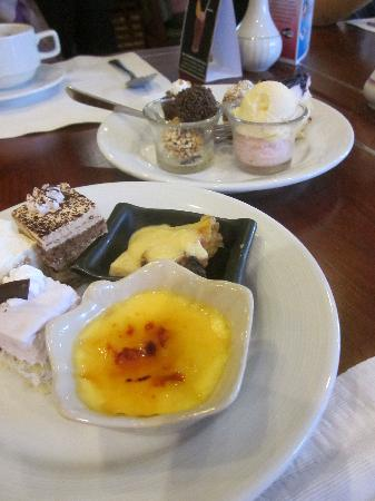 Lao Plaza Hotel: Desserts at lunch