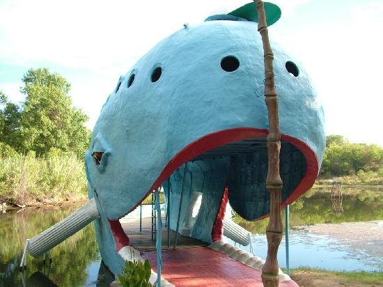 Blue Whale of Catoosa: Picture of the slids and walkway into the Whale