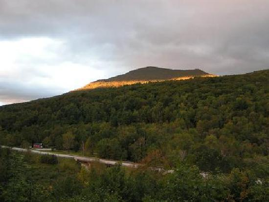 Aerie Inn of Vermont: the halo around Mt. Aeolus behind the Aerie