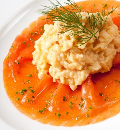 Edwardene Hotel: Fine Quality Smoked Salmon and Scrambled Eggs