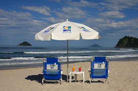 Beach Hotel Cambury: Serviço de praia