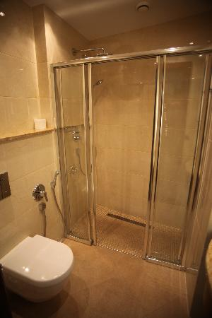 Hotel Romance Puskin: in bath room
