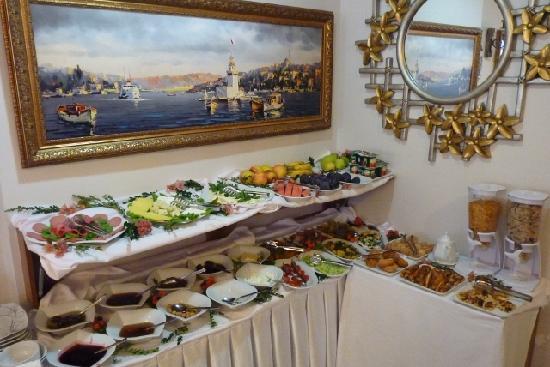 Senatus Suites: Breakfast