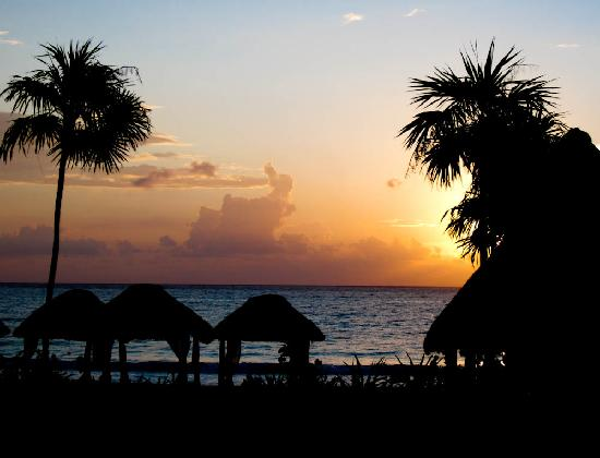 Secrets Maroma Beach Riviera Cancun: Sunrise from our room