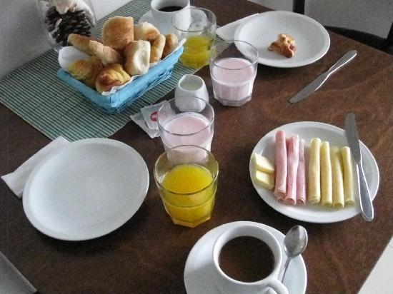 Zen Boutique Apart Hotel: Breakfast at Zen