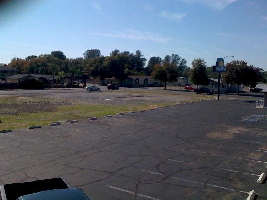 Days Inn Oroville: View of Parking Lot