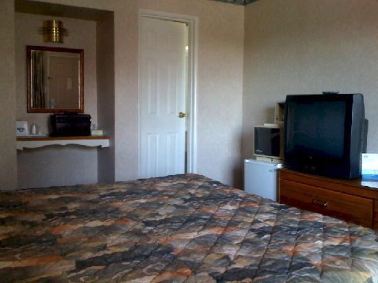 Days Inn Oroville: Fridge, TV, Microwave