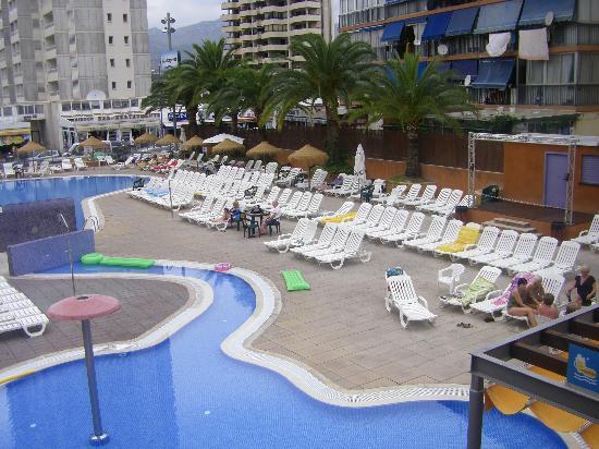 MedPlaya Hotel Regente: pool area from the sun terrace