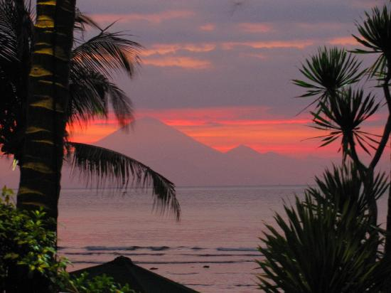 Alang-Alang Boutique Beach Hotel : sunset