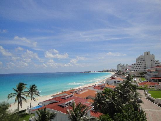 Solymar Beach & Resort: pic taken from the terrace by the restaurant