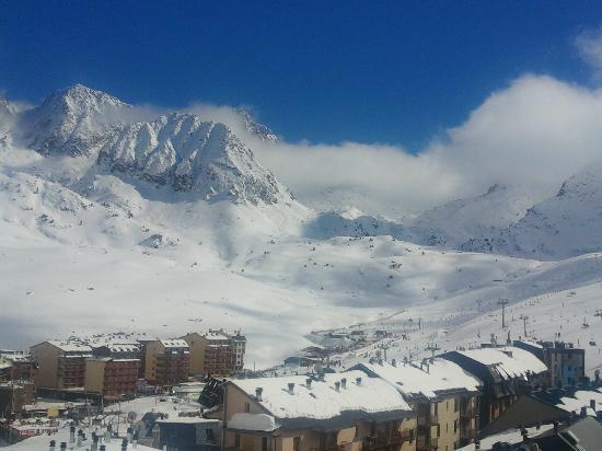 Hotel Reial Pirineus: solo buenas vistas!!!.