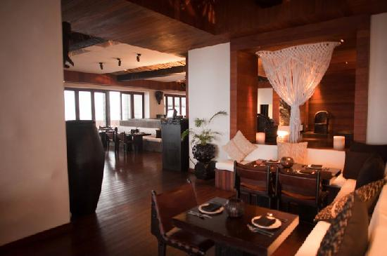 Cabo Azul Resort: Inside Javier's Restaurant
