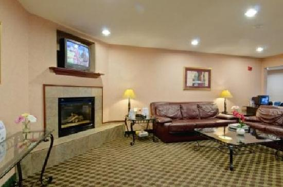 Best Western Executive Inn & Suites: Lobby Area