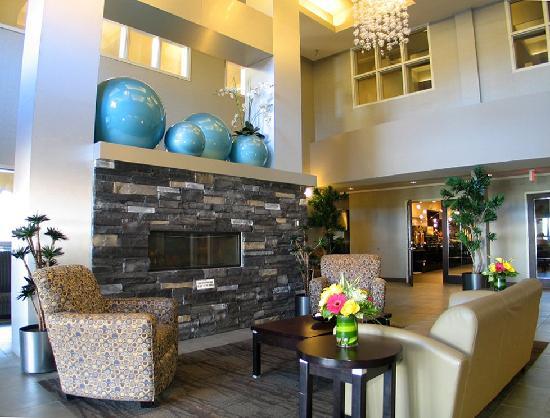 Comfort Suites Kelowna: Lobby Welcome two