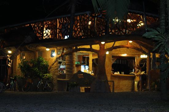 Que Rico Papito Restaurant : The outside view