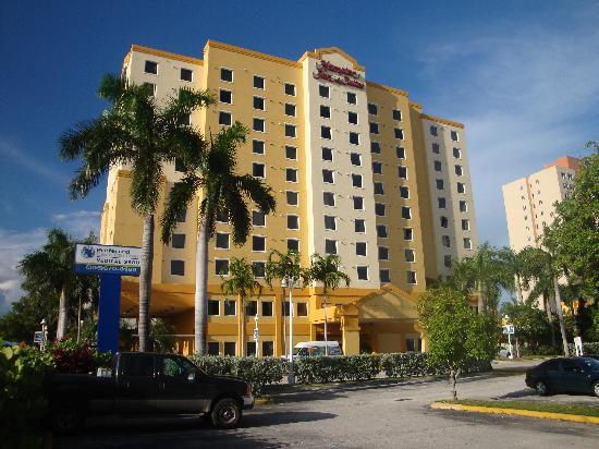 Hampton Inn & Suites by Hilton - Miami Airport / Blue Lagoon: Hotel von außen