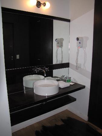 Moreno Hotel Buenos Aires: Vanity Area