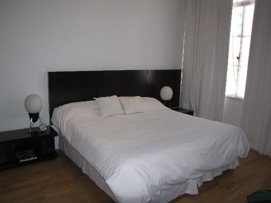 Moreno Hotel Buenos Aires: Bed