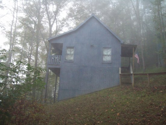 River Place on the Clinch Cabins: picture of our cabin in the early morning fog