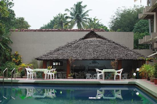 Alleppey Prince Hotel: The pool