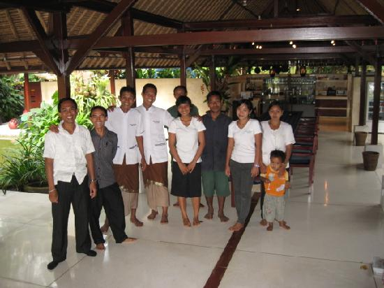 Villa Pantulan: The wonderful staff who took such good care of us