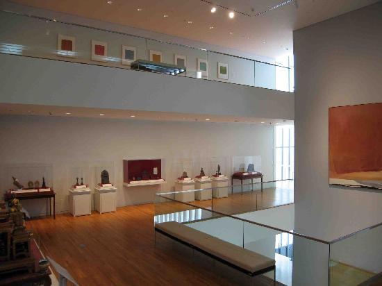University of Michigan Museum of Art : Frankel Wing - Vertical Gallery