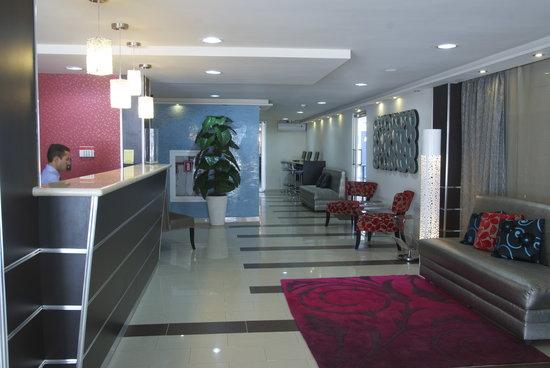 Metro Hotel Panama: Lobby