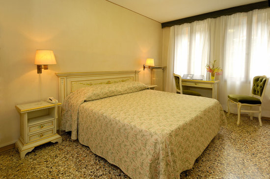 Photo of Hotel Basilea Dipendenza Venice