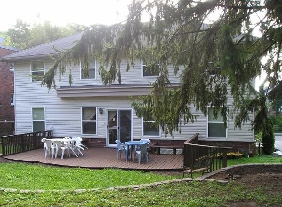 Susan's Villa: Rear of the Villa with Deck
