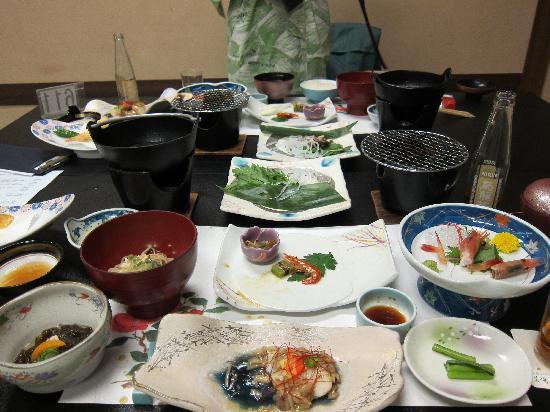 Ryokan Biyunoyado: Traditional Meal