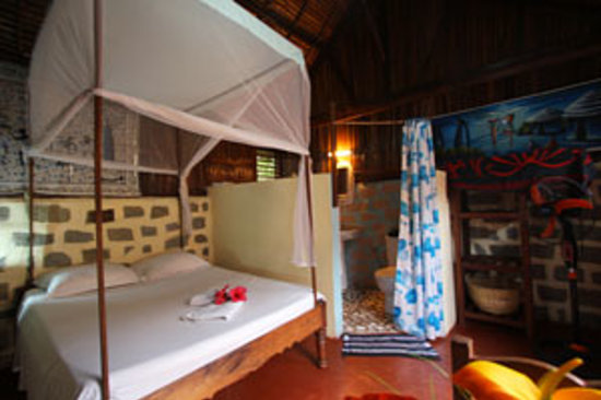 Hell-Ville, Madagascar: Chambre Ananas