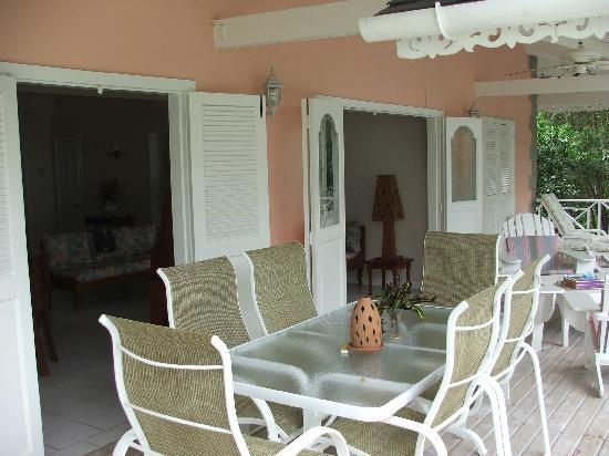 Plantation Beach Villas: love the veranda